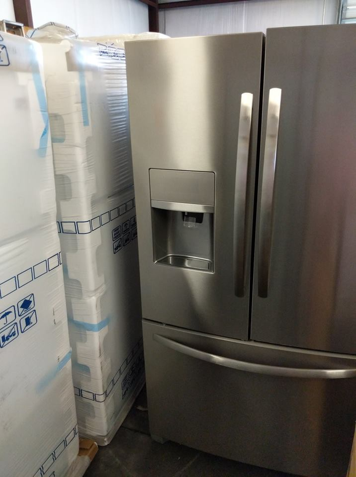 New Frigidaire Gallery 26 Cu Ft Side By Side Refrigerator
