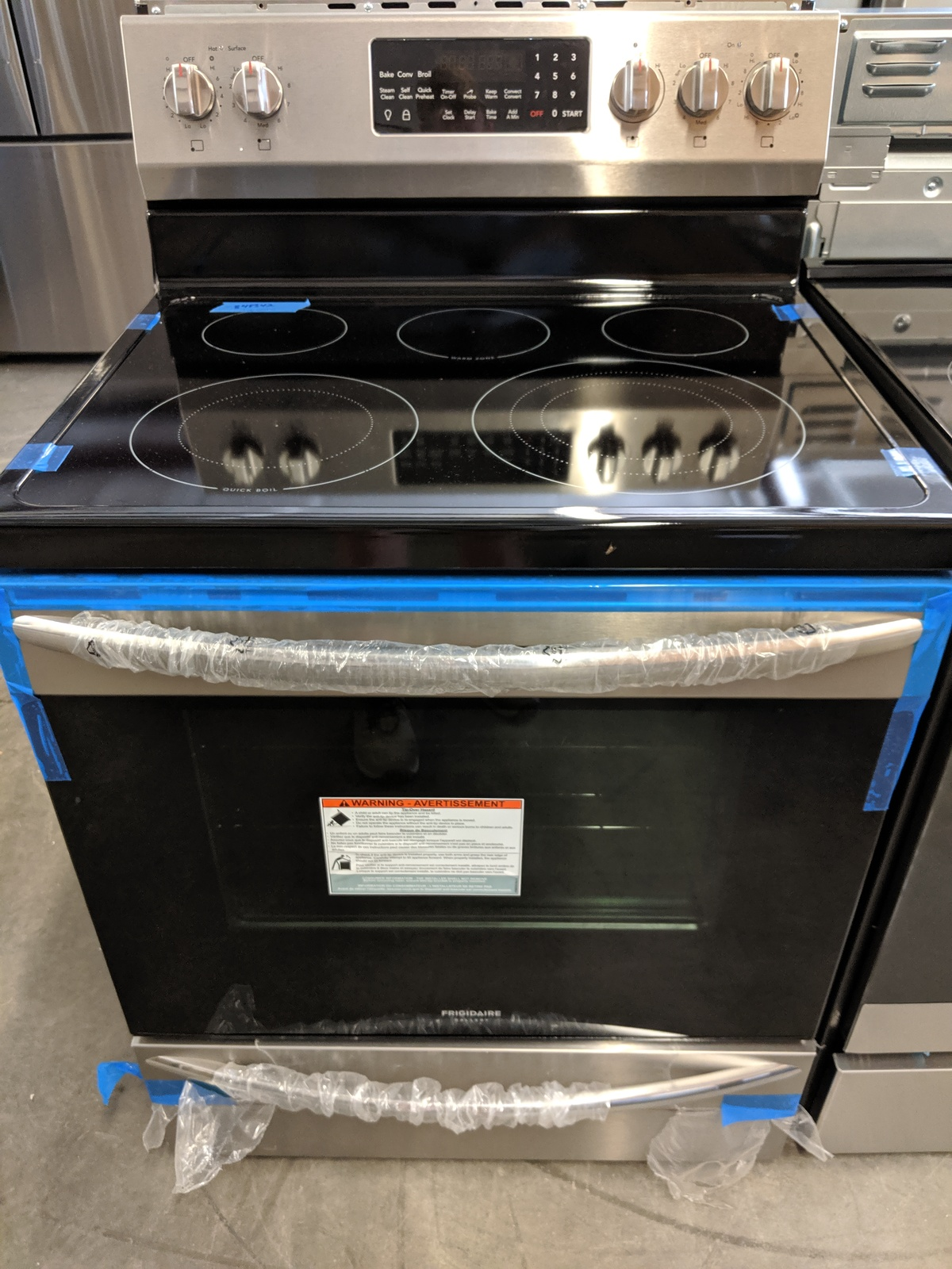 New Frigidaire Gallery Smooth Surface 5 Element 5 7 Cu Ft
