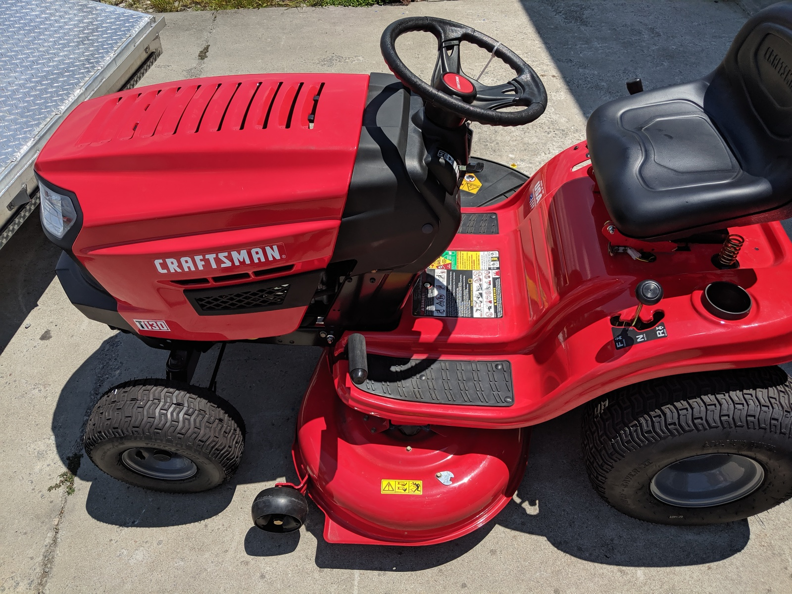 New Craftsman T130 18 5 Hp Automatic 42 In Riding Lawn