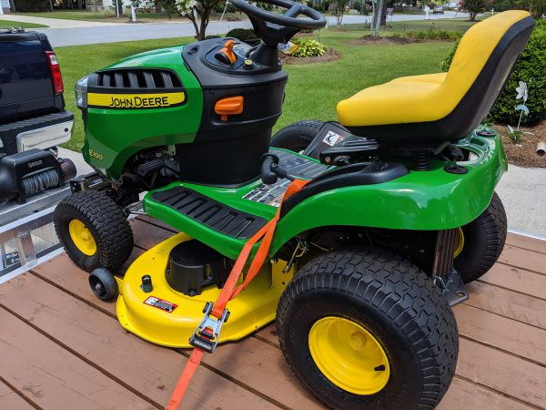 New John Deere E100 17 5-HP Automatic 42-in Riding Lawn Mower
